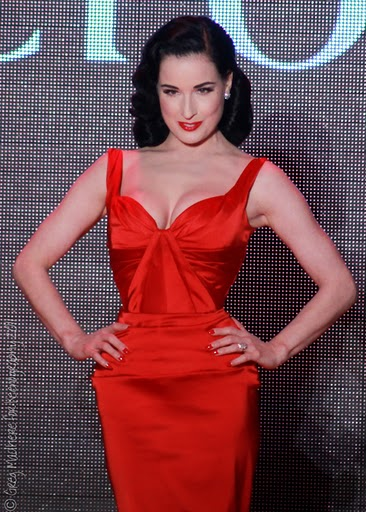 Red_Dress_Fall_2011_4