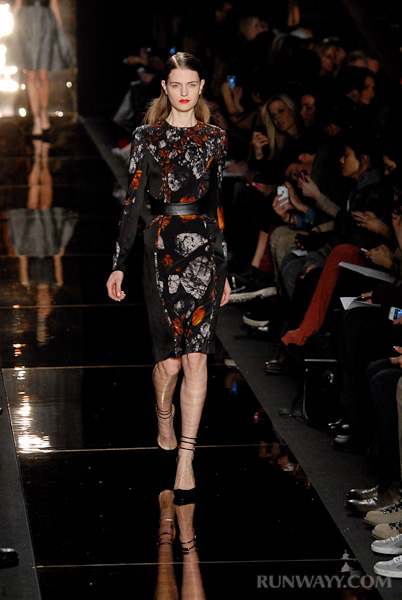 Monique_Lhuillier_fall_2012_072
