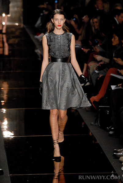 Monique_Lhuillier_fall_2012_079