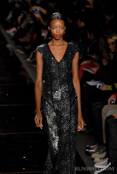 Monique_Lhuillier_fall_2012_329